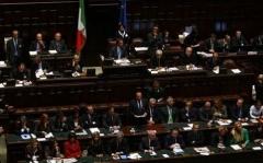 governo-il-dicembre-berlusconi-in-parlamento-voto-mozioni-1.jpg